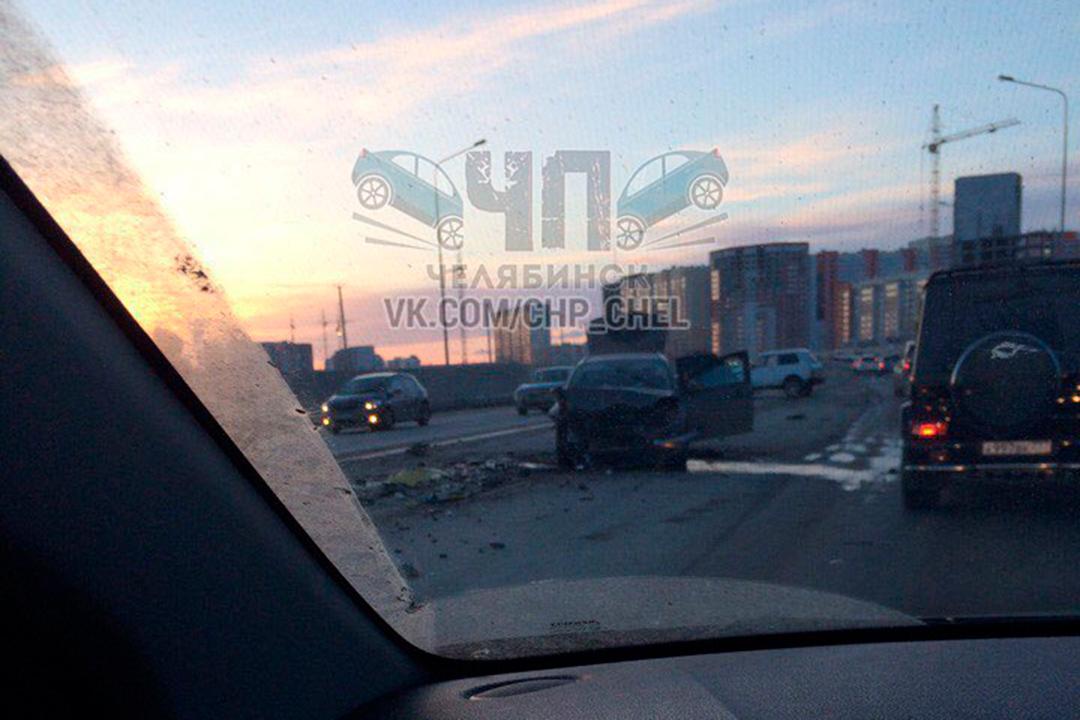 ВЧелябинске втройном ДТП погибла 56-летняя автоледи
