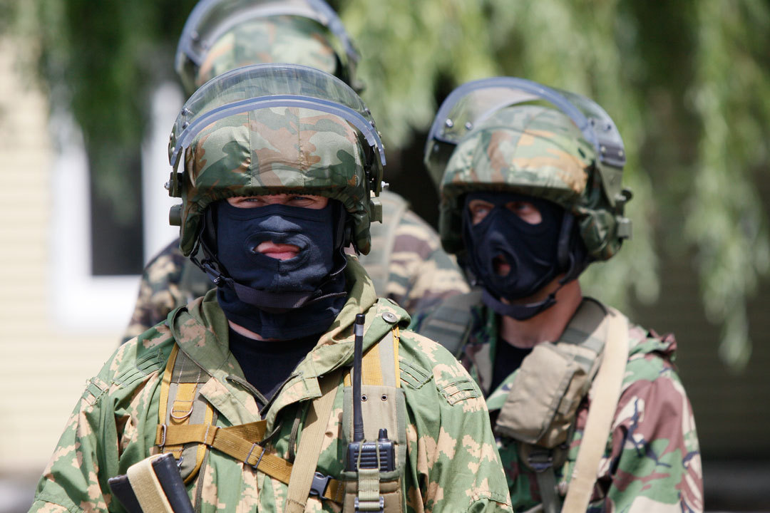 ВХасавюрте атакуют дом сбоевиками