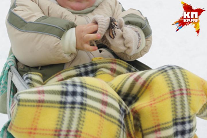 ВБрянске двухлетний ребенок упал вканализационный люк