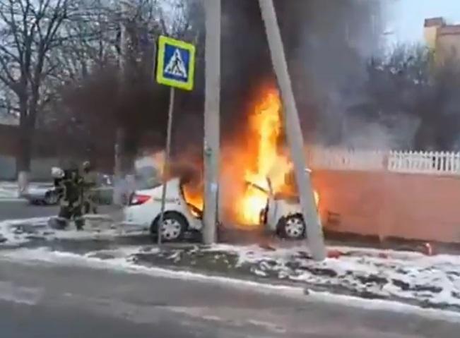 После трагедии  2-х  иномарок вРостове одна загорелась, видео Ростов-на-Дону