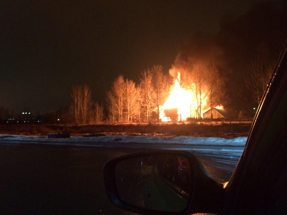 НаВитебском проспекте сгорели бесхозный дом исарай