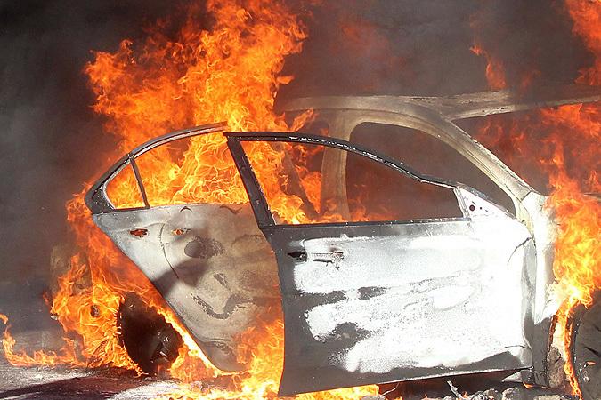 Лада Priora сгорела вгараже вВолгограде