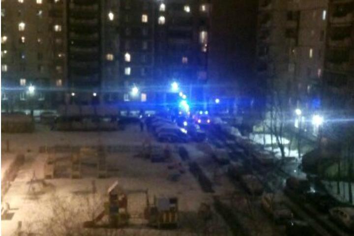 Свидетели: ВПетербурге неизвестные стреляли вмужчину водворе дома наСавушкина