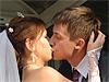 В Новосибирске открылся памятник свадебному тосту «Горько!»