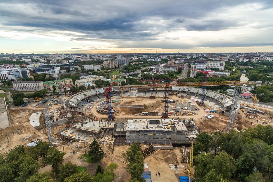 Сроки завершения проекта уже сдвигались. Сейчас на паспорте объекта сообщается, что окончание работ намечено на апрель, а окончание строительства — на декабрь 2017-го.
