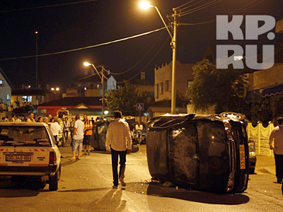В городе Акко (Израиль) произошли столкновения на национально-религиозной почве. В ходе массовых конфликтов между арабами и евреями пострадали 12 человек, сожжены десятки автомобилей, разгромлено множество магазинов
