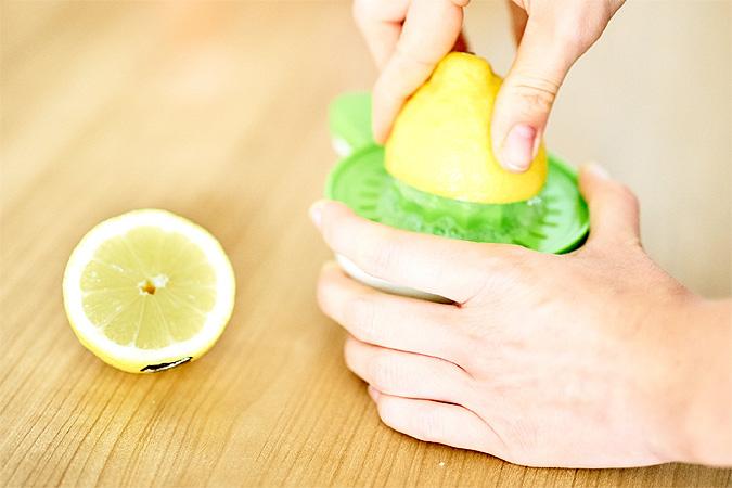 Как ни странно, источником витамина С может послужить не только лимон. Употребляйте квашенную капусту, болгарский перец или черную смородину! Фото: GLOBAL LOOK PRESS