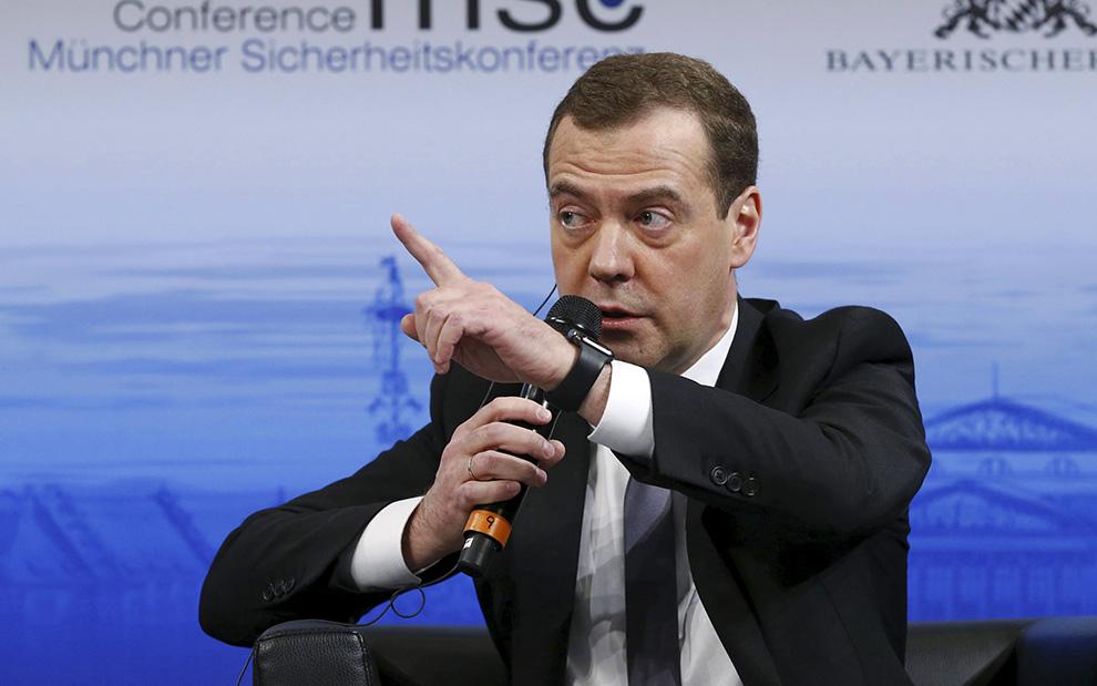 Дмитрий Медведев рассказал о россиянах в кризис, «маргинальной оппозиции», гонке вооружений, убийстве Немцова и деле Литвиненко Фото: REUTERS