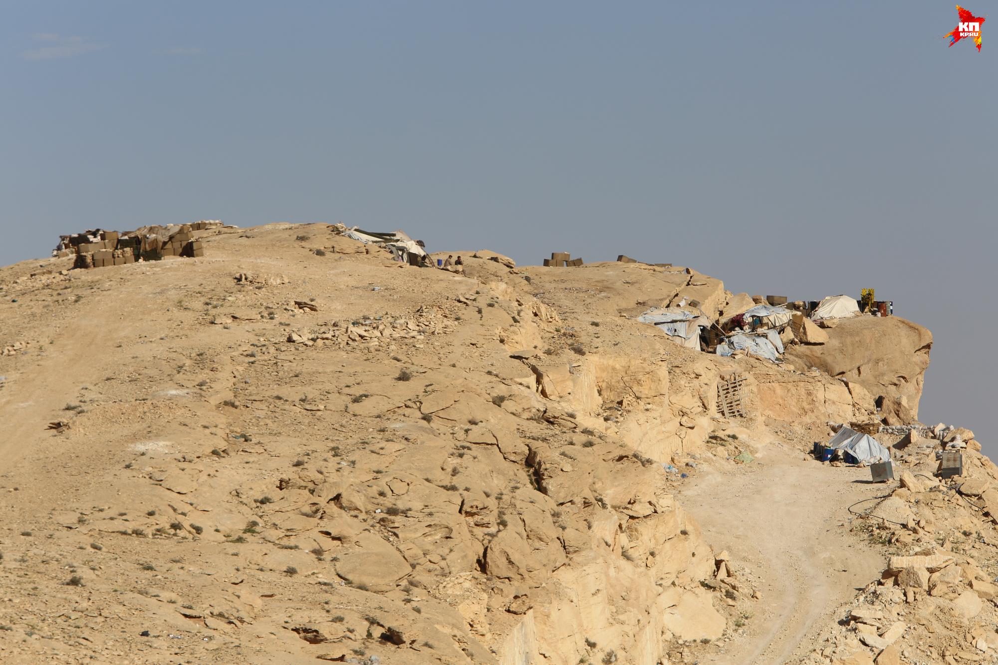 «Крепость» нового времени - нынешние позиции Хезболлы. Фото: Александр КОЦ, Дмитрий СТЕШИН