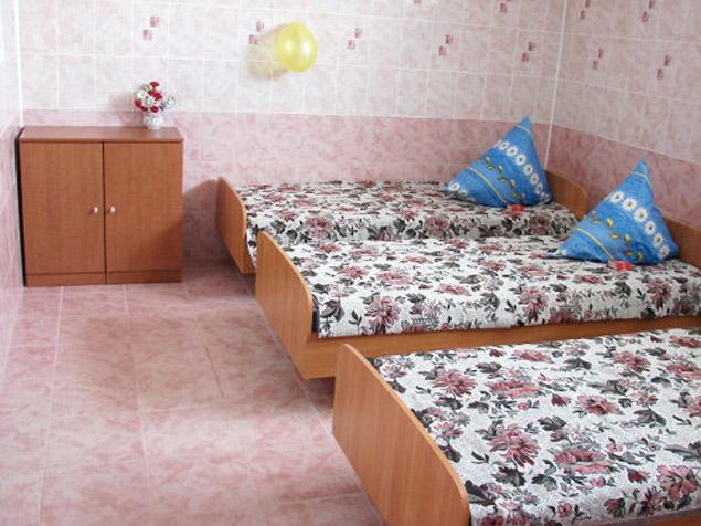 У Спесивцева точно такая же палата, но только на 2 человек.