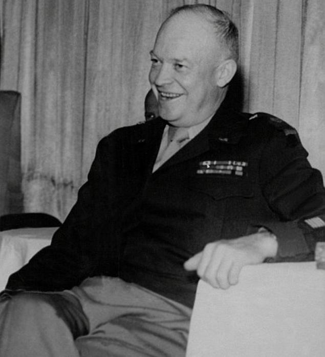 Эйзенхауэр в НЛО разбирался