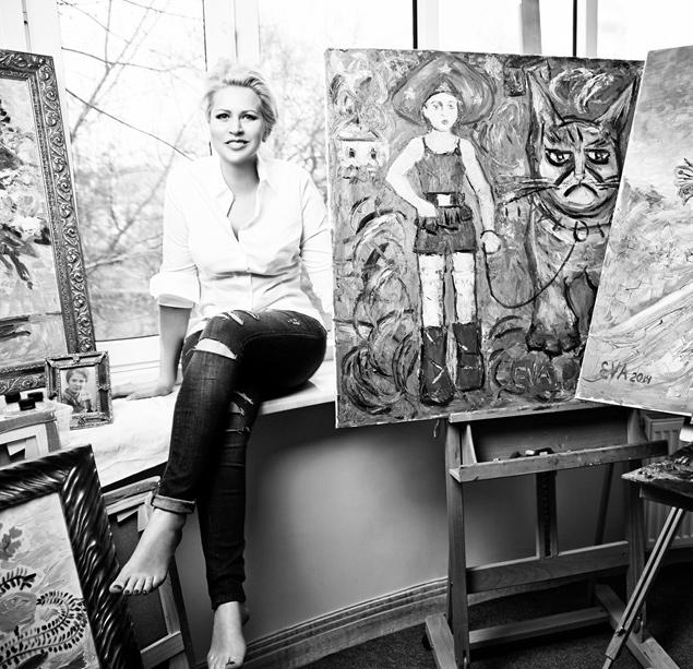 Если раньше ее любимым жанром был натюрморт с преобладанием цветов и котиков, то в последнее время Васильева переключилась на портреты Фото: СОЦСЕТИ