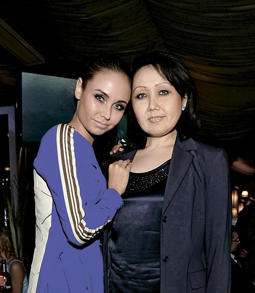 Мама для нее была всем: лучшей подругой, надежным советчиком, продюсером... Фото: RUSSIAN LOOK