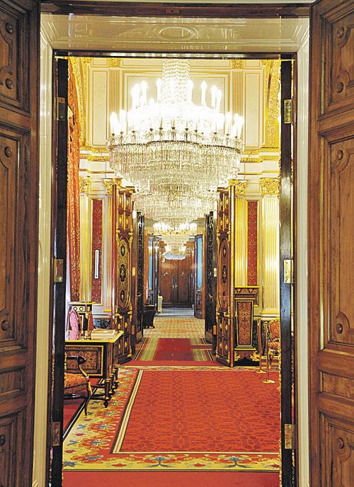 Вид на анфиладу залов Собственной половины Большого Кремлевского дворца. Фото: Владимир ВЕЛЕНГУРИН