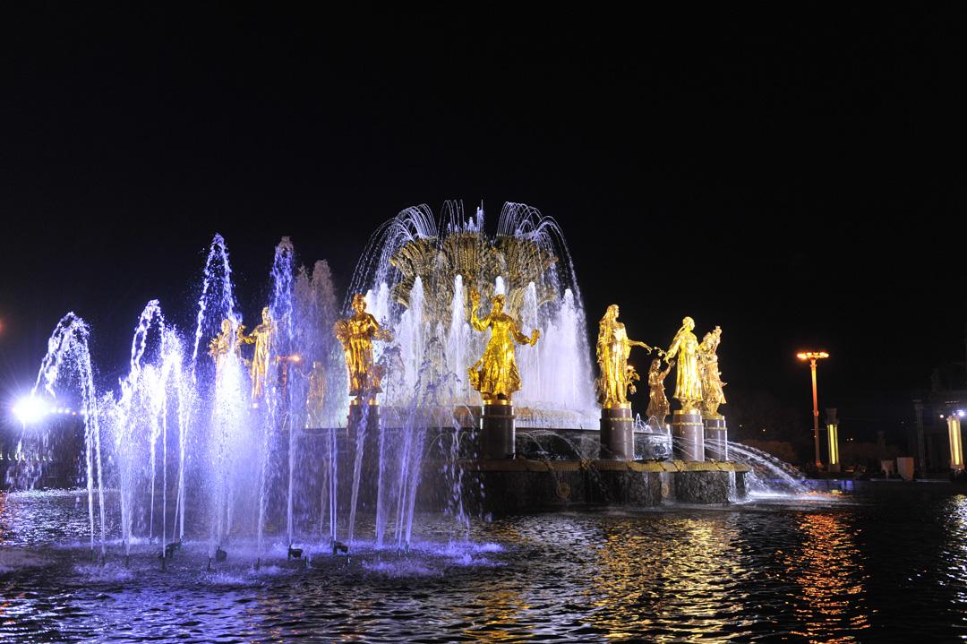 Открытие фонтанов в Москве