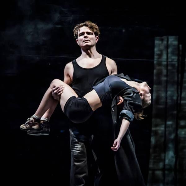 Спектакль «Добрый человек из Сезуана» в Театре Пушкина