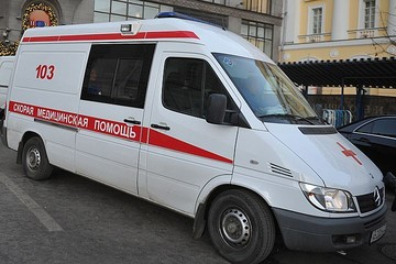 В Подмосковье 12-летняя школьница упала с третьего этажа, делая селфи
