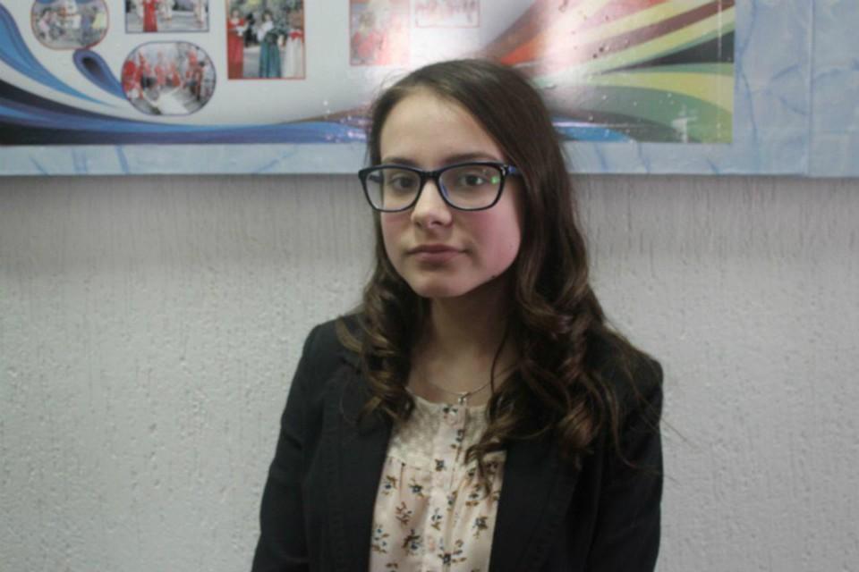 Школьница из Петровска попросила Валерия Радаева провести слет панфиловских школ СНГ.