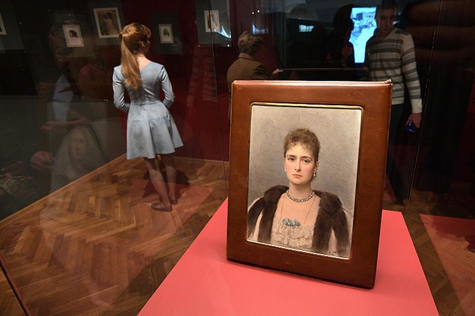 В Москве открылась выставка, посвященная Александре Романовой