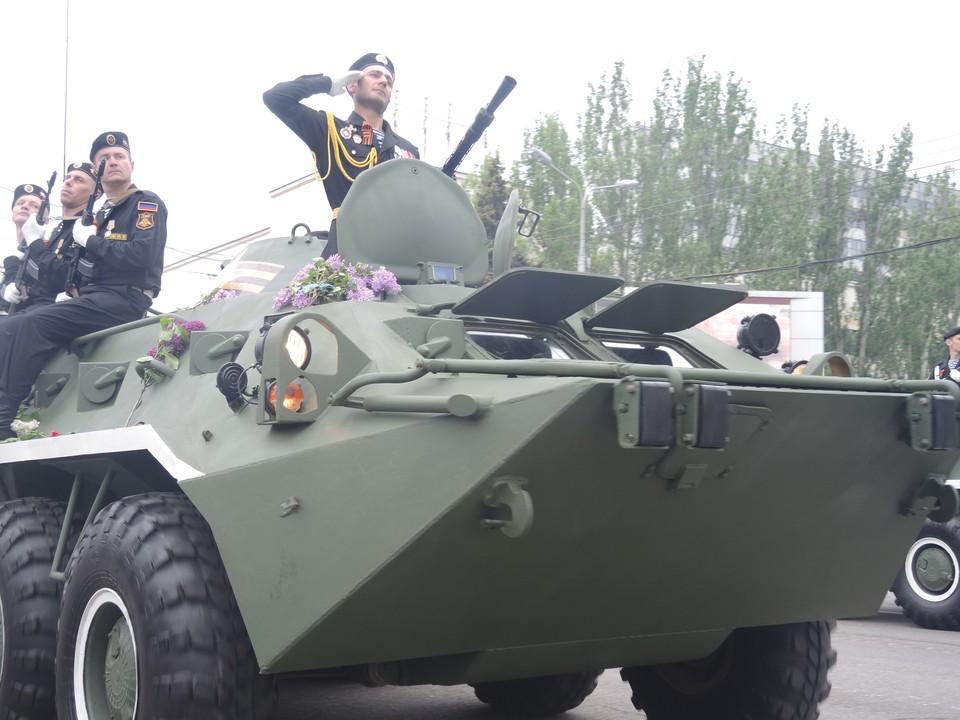 На параде Победы была современная и ретротехника. ФОТО: Никита МАКАРЕНКОВ, Павел ХАНАРИН