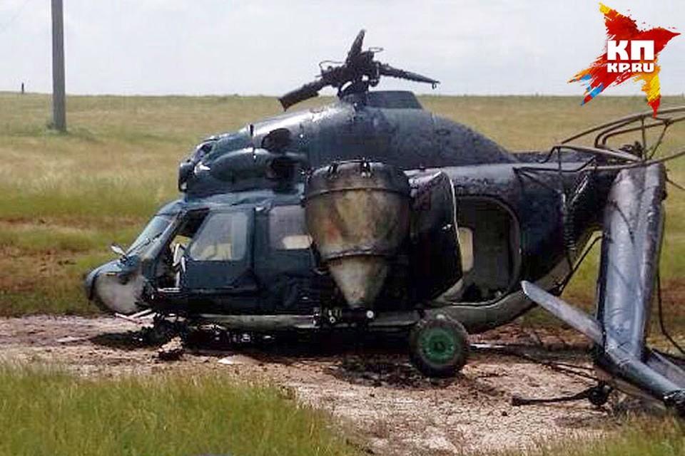 Вертолет повредил электропровода. Фото: пресс-служба МРСК Северного Кавказа.
