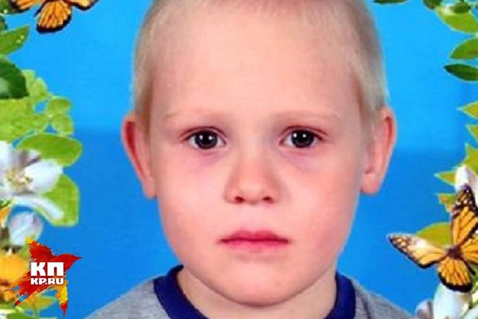 Полицейские и МЧС продолжают поиски ребенка