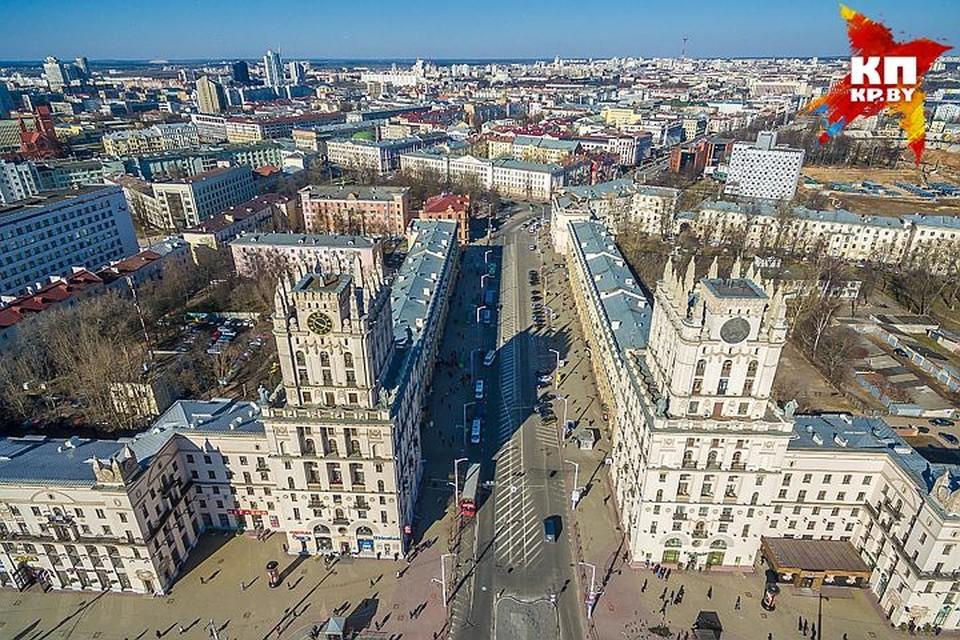 В Беларуси испытывают автобусы, парящие над землей, которые домчат из Минска в Москву за полтора часа.