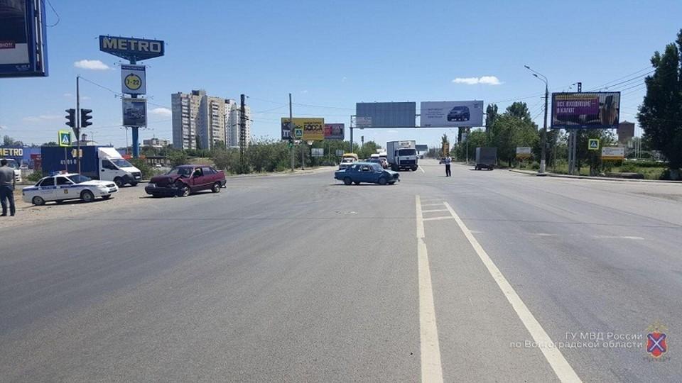 В аварии с пожилым водителем пострадали два человека. Фото: пресс-службы ГУ МВД России по Волгоградской области