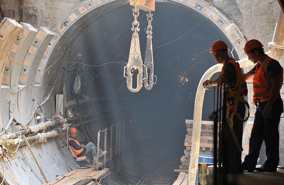 В столичном Департаменте строительства информацию о слишком узком тоннеле опровергли.