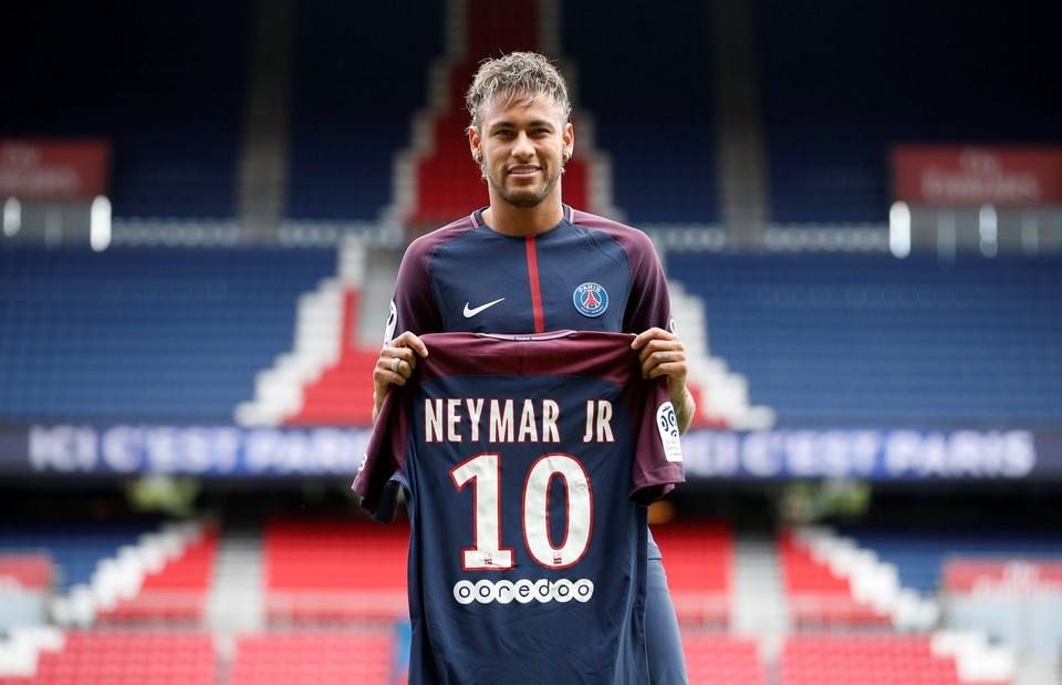 В Сети появилось фото чека на €222 млн за трансфер Неймара