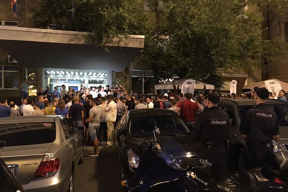 Спортсмены вышли на митинг после убийства пауэрлифтера Андрея Драчева в Хабаровске