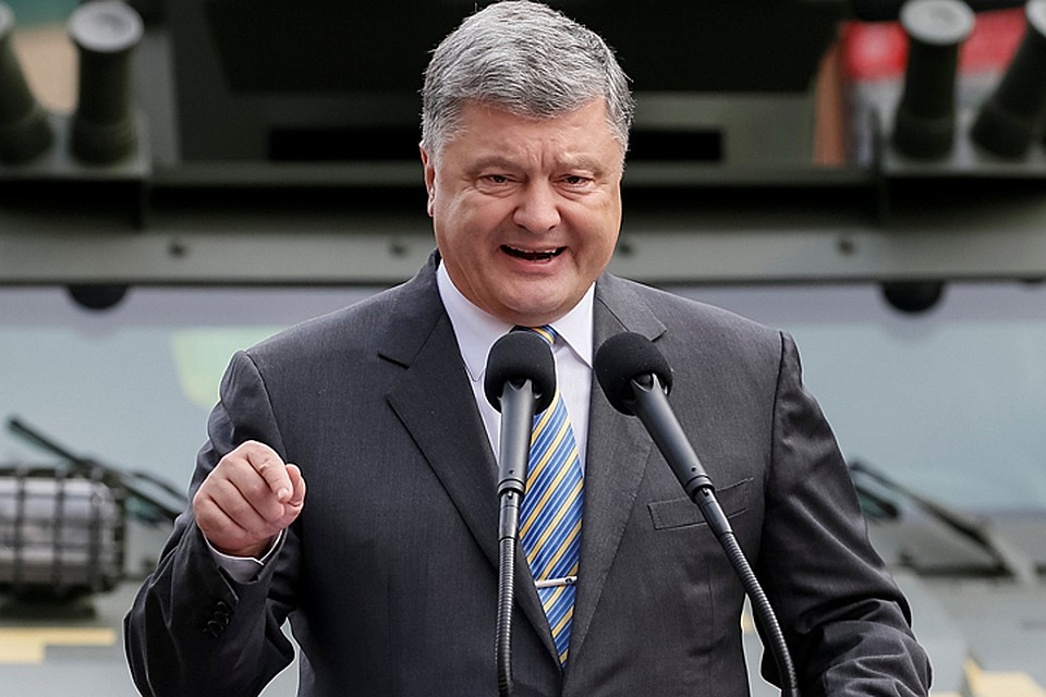 В глазах украинцев, Порошенко сегодня занимается экспроприацией экспроприированного. Или, говоря проще, ворует наворованное