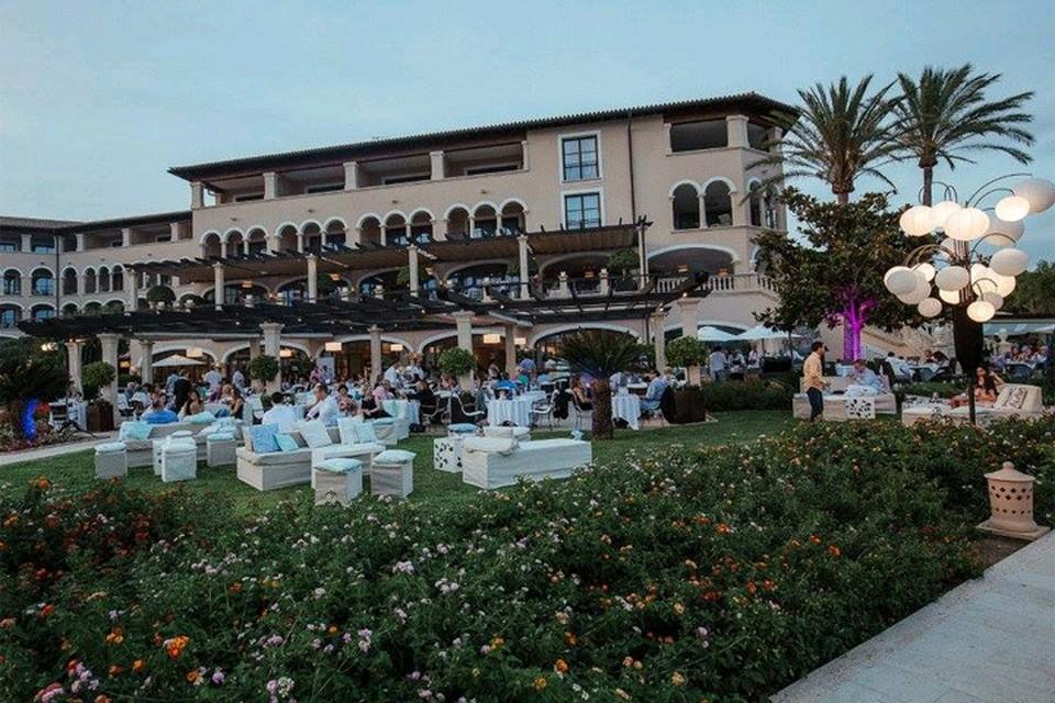 Здание отеля St. Regis Mardavall Mallorca Resort