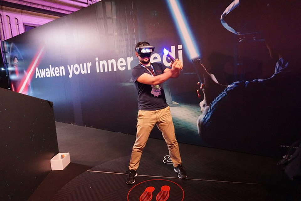 Компания Lenovo презентовала сразу два шлема - виртуальной и дополненной реальности