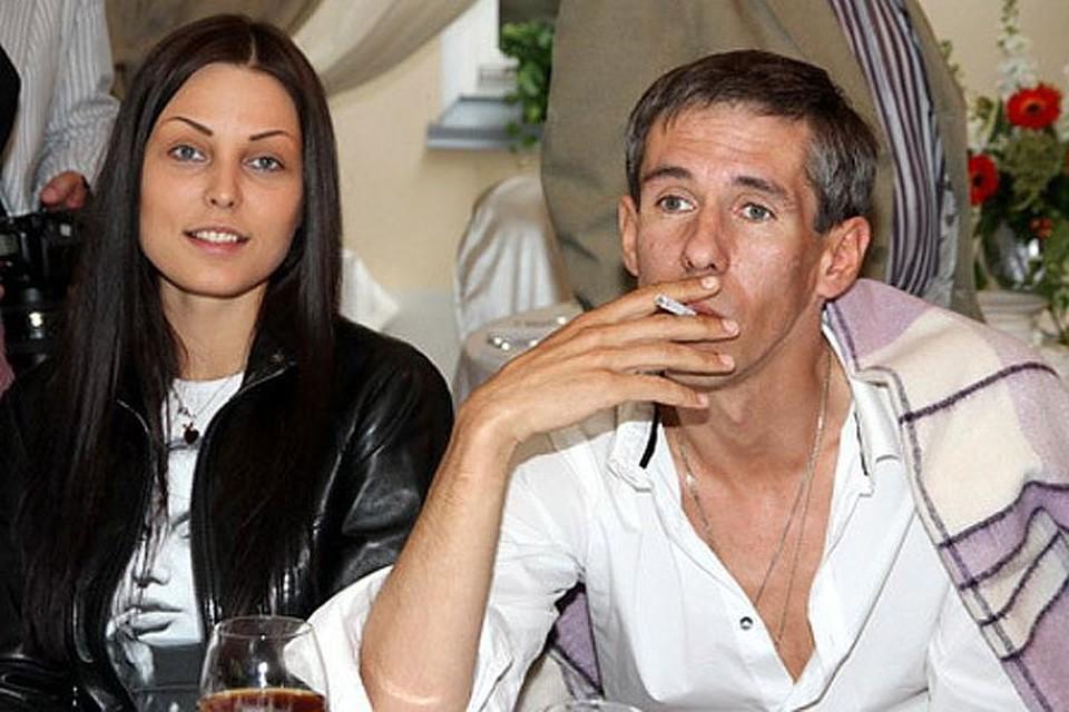 Со своей женой Люсей Панин разнес несколько гостиничных номеров и квартир