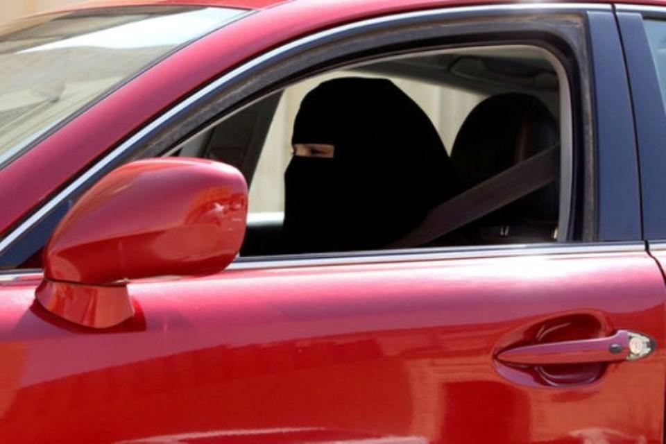 Женщины в Саудовской Аравии впервые в истории получили право в боясь наказания