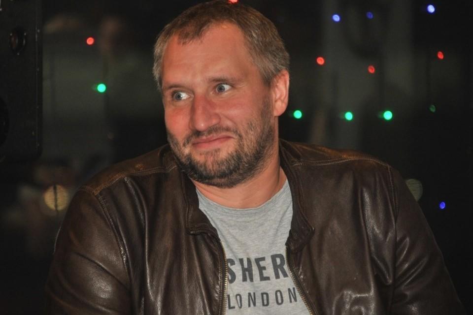 Режиссер Юрий Быков на премьере своего фильма «Огни большой деревни»