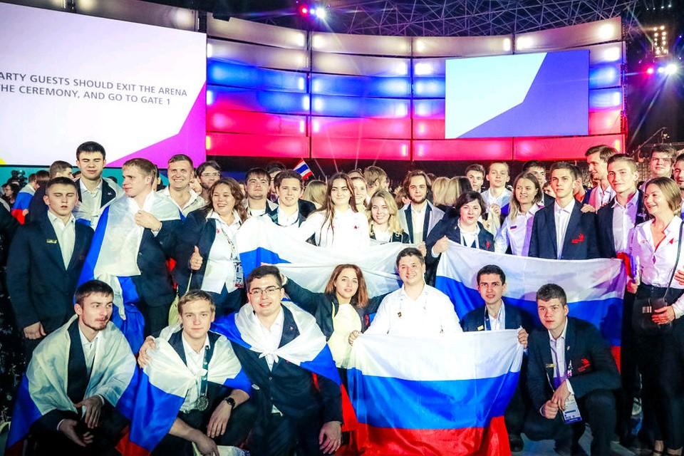 Национальная сборная России заняла первое место в общекомандном зачете чемпионата мира по профессиональному мастерству WorldSkills Abu Dhabi 2017. ФОТО worldskills.ru