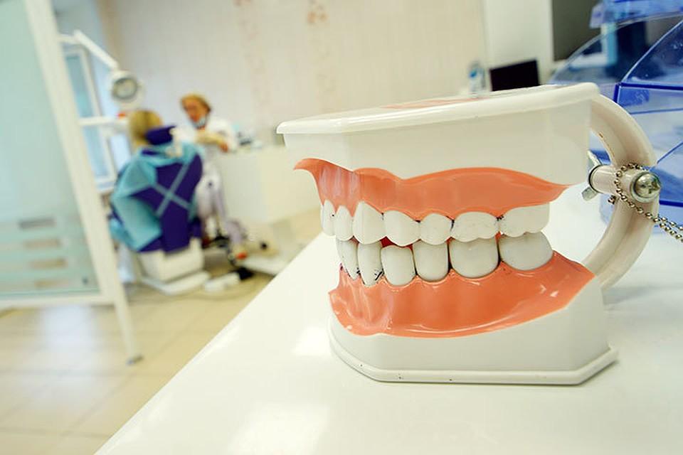сколько стоят съемные зубные виниры