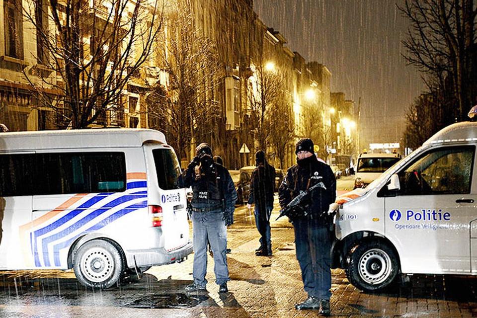 Чтобы навести порядок, полиция применила водомет. Фото: Global Look Press/ZUMA/Depo Photos
