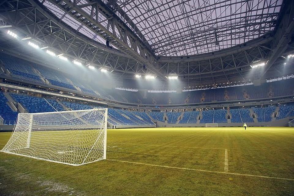 До этого сообщалось, что покрытие стадиона будут менять весной 2018 года.