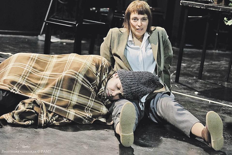 Героиня Нелли Уваровой держит отношения с окружающими под высоким напряжением. Фото: ramt.ru