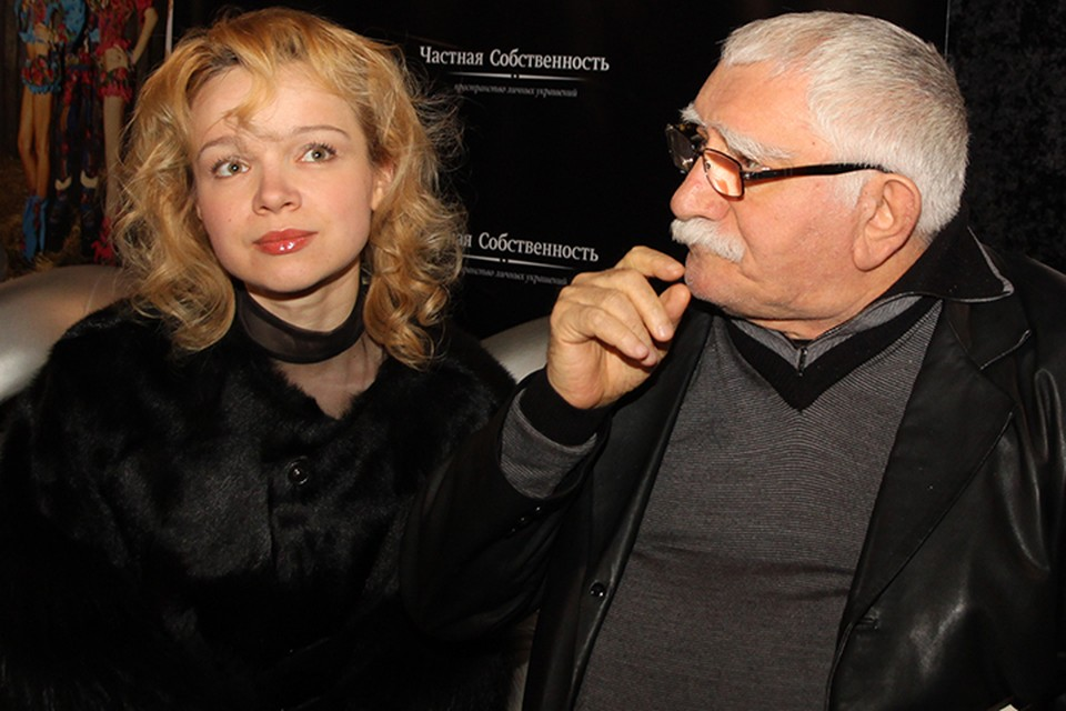 Виталина и Армен Борисович живут по-прежнему в одном доме на Молодогвардейской улице, в одном подъезде