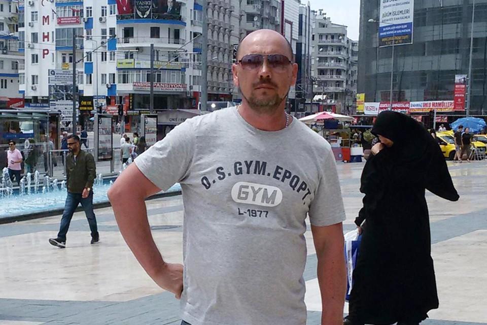 Николаю Евдокимову 49 лет. Москвич. Живет в Лефортово, работает в транспортном фирме
