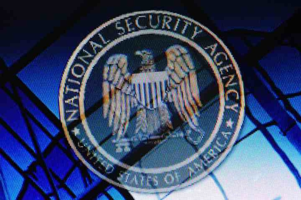 По данным СМИ, Агентство национальной безопасности (АНБ) США выплатило 100 тысяч долларов некоему россиянину