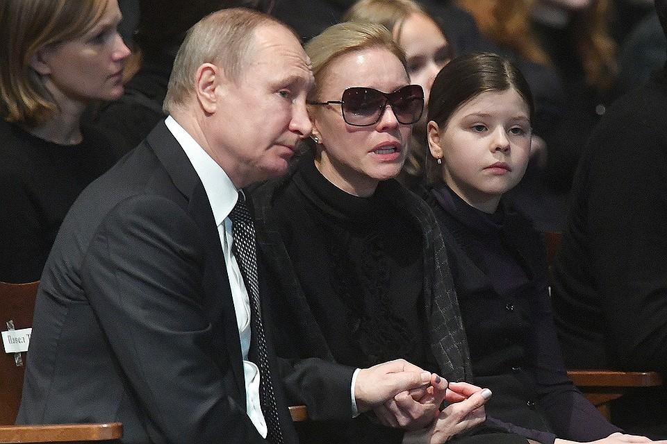 Проститься с Олегом Табаковым приехал президент Путин.