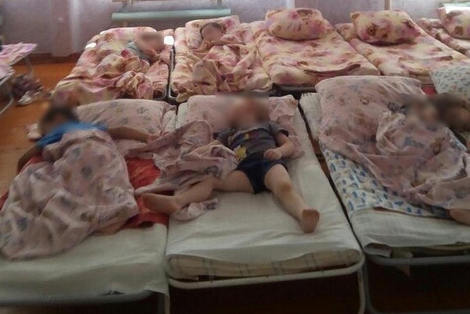 Дети спят на аварийном этаже