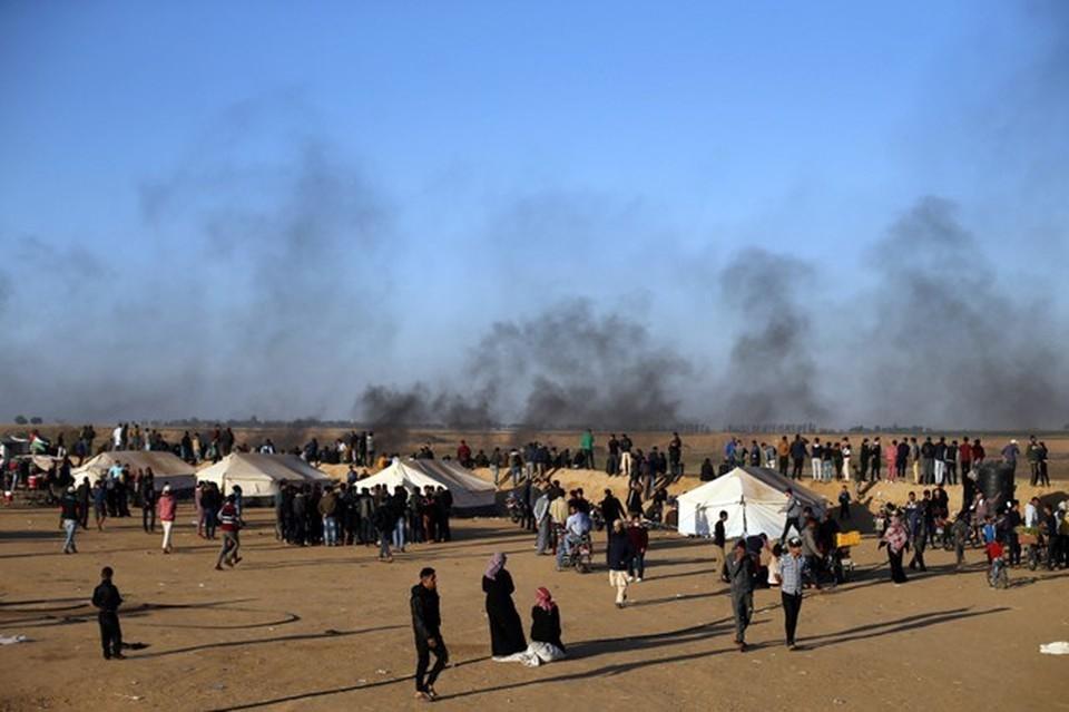Палаточный городок протестующих на границе с Израилем палестинцев