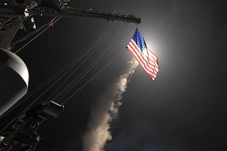 Американцы готовятся нанести удар по Сирии, обвиняя власти в химической атаке в районе Восточная Гута.
