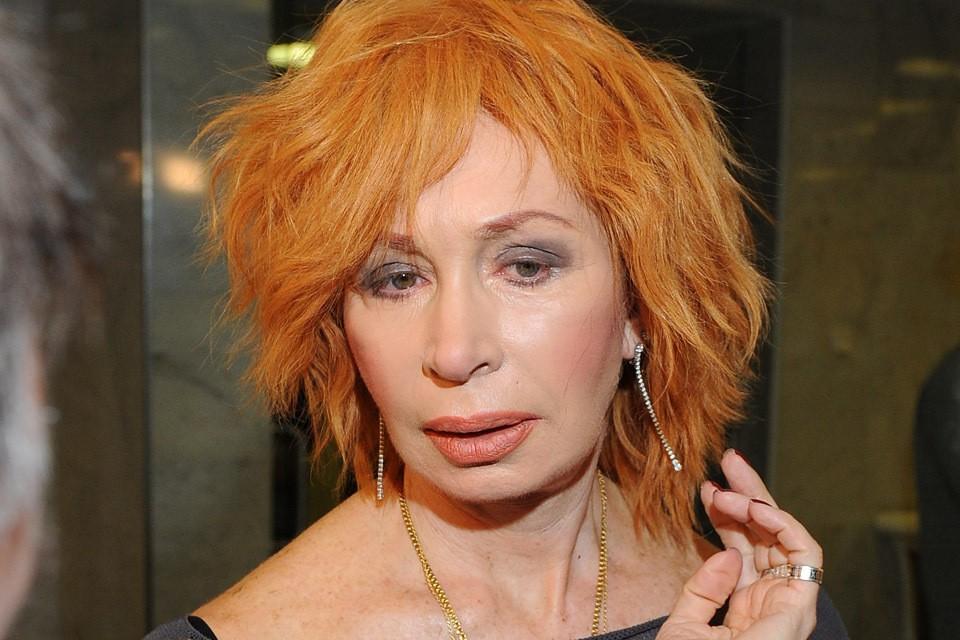 Татьяна Васильева не выглядит на 71 год. Актриса тщательно следит за внешностью.